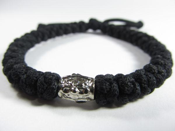 Черная Брояница на завязке с металлическим элементом (тип креста 07)